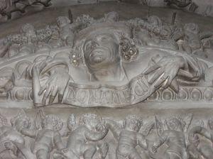Timpanul uşii sacristiei Bisericii Sf. Mihail