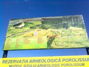 Planul rezervaţiei arhologice, reconstiuit cu ajutorul Google Earth ©7C