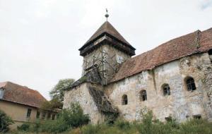 Biserica fortificată din Drăuşeni