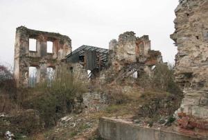Castelul Kornis, una dintre cele mai triste ruine din judeţul Cluj